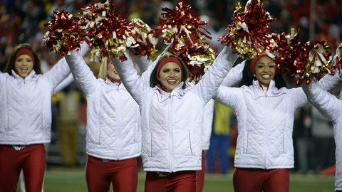 NFL cheerleaders: Week 17
