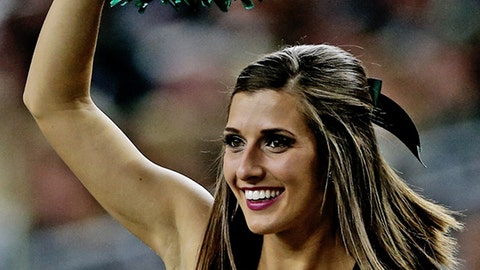 College football cheerleaders: Bowl season