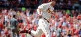 Leake shuts down D-backs while Cardinals blast 3 homers