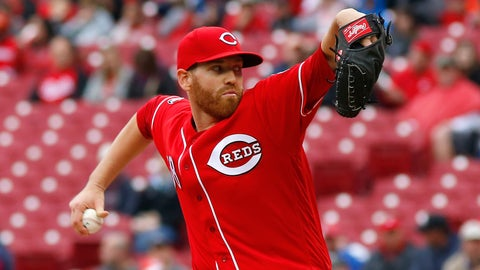 Reds starting pitcher Dan Straily