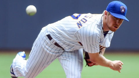 Brewers starting pitcher Chase Anderson
