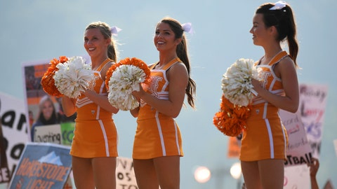 Tennessee cheerleaders