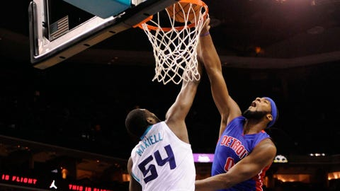 Drummond, Smith lead Pistons past Hornets