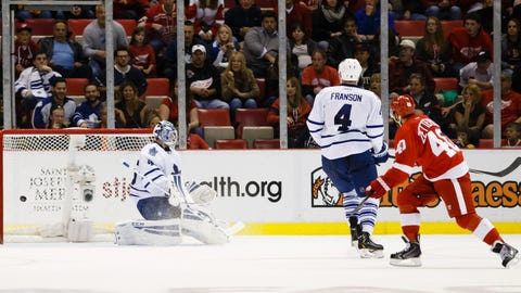 Zetterberg scores Wings' game-winning OT goal