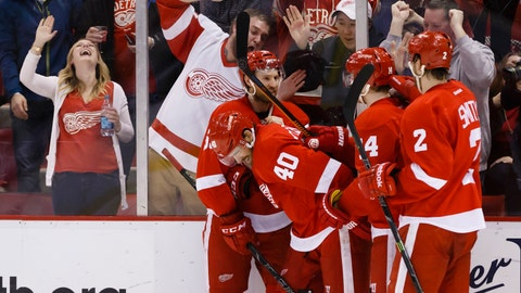 Zetterberg, McCollum lead 'embarrassed' Wings to come-from-behind win