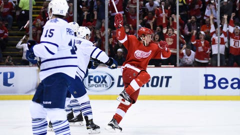 Abdelkader's hat trick paces Wings over Leafs in opener