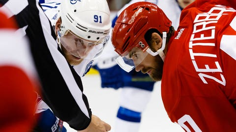 Zetterberg lifts Red Wings to 3-1 win over Lightning