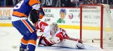 Wings fall to Islanders 4-1; Howard remains winless in 2016