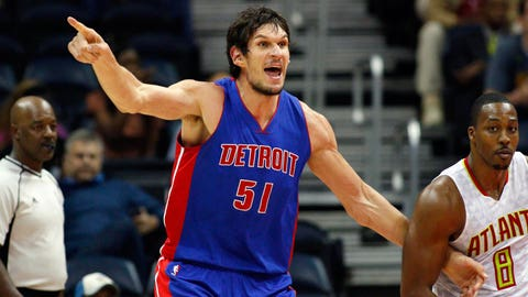 Kevin Love suffers broken bone in left hand against Detroit Pistons