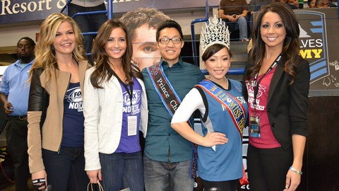 With Mr. and Miss Hmong Minnesota.