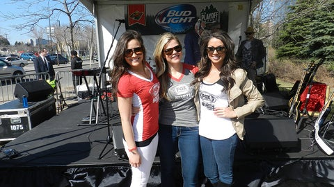Enjoying live music and sunshine (finally!) during the Wild's pregame playoff party.