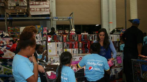 Orlando Magic Holiday Shopping Spree