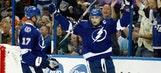 Steven Stamkos scores twice, helps Lightning edge visiting Flyers
