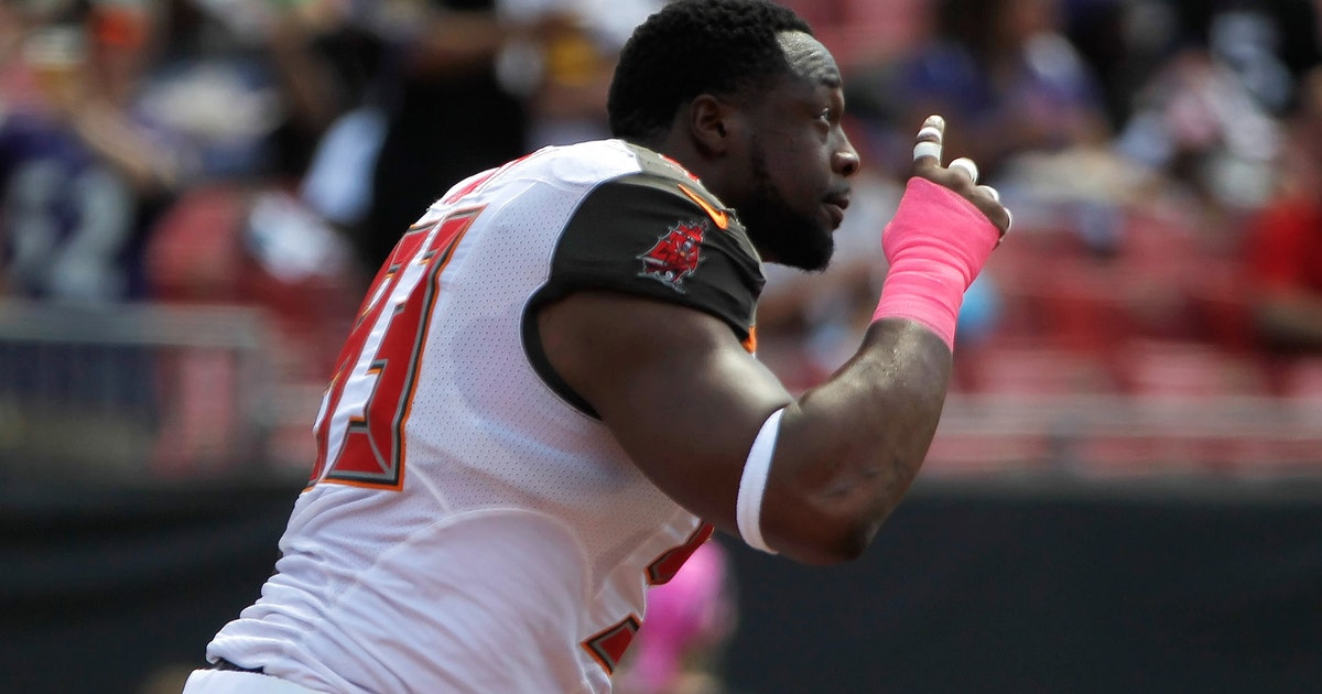Gerald Mccoy Cuts A Deal With Lovie Smith To Play Offense