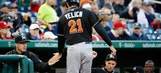 Notebook: Christian Yelich taking advantage of bunt opportunities