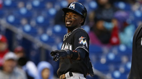 16. Dee Gordon wins Gold Glove in first season with Miami Marlins