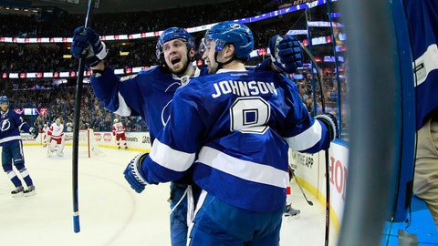 Win 1: Lightning 5, Red Wings 1 (series tied 1-1)