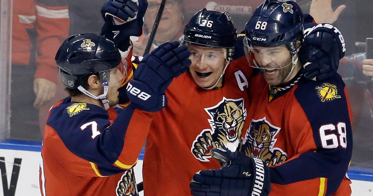 b0c73b0a63a Jagr passes Hull for third on NHL scoring list as Panthers top Jets ...