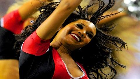 Atlanta Falcons cheerleader