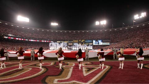 San Francisco 49ers cheerleader