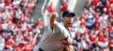 Wainwright picks up 100th career win with a little help from an old friend
