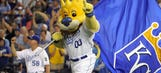 Hello, first-place Royals! Win over A's vaults Kansas City to top of Central
