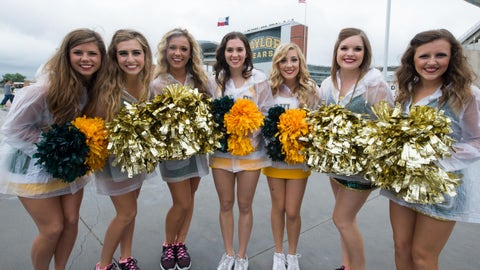 Big 12 football cheerleaders