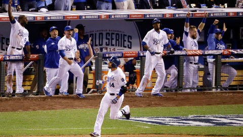 No. 9: World Series Game 2, Oct. 22 at Kauffman Stadium -- Royals 7, Giants 2
