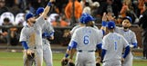 Royals take Game 3 in typical fashion: Defense, clutch hitting and a bulletproof bullpen