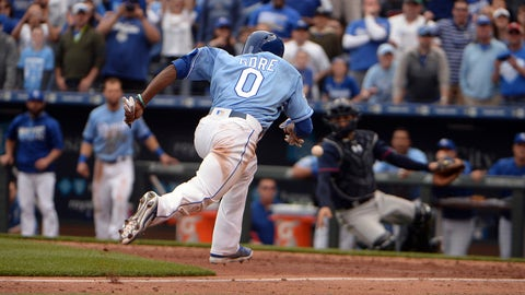 Royals trade speedster Gore to Cubs for cash