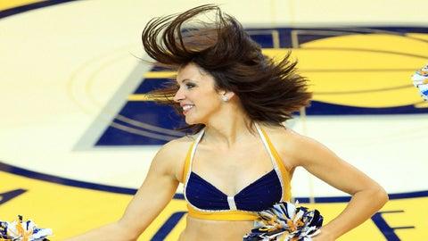 Indiana Pacers cheerleader