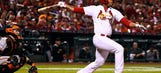 Cardinals pay tribute to Oscar Taveras with 'lone light in right'