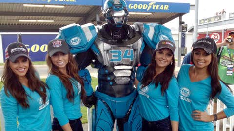 Look who the FOX Sports Girls found! It's Cleatus!
