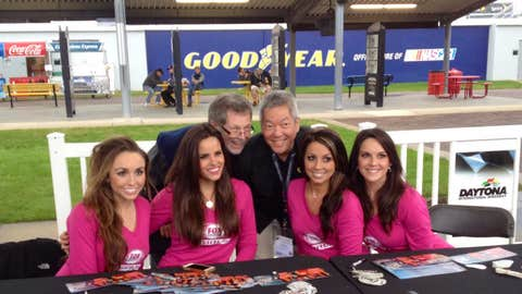 The FOX Sports Girls signed autographs and hung out with fans in the Sprint Fan Zone.