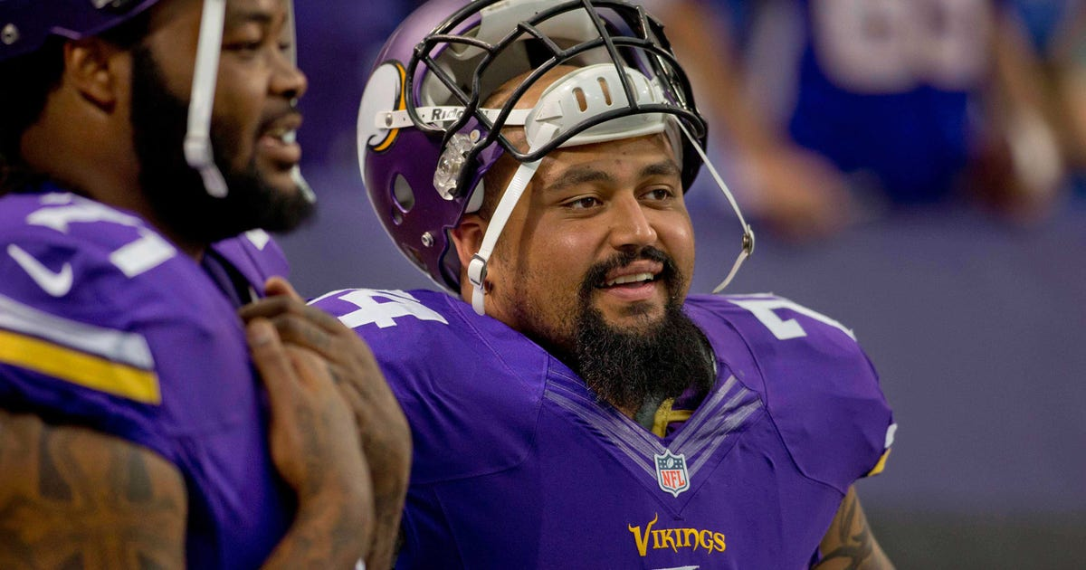 Vikings agree to terms with lg charlie johnson fox sports for Charlie johnson builders