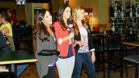 Angie, Kaylin & Kendall welcome fans to Drkula's Bowl in Inver Grove Heights to watch Minnesota battle Tampa.