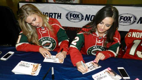 Kendall & Angie sign autographs for fans at the Minnesota Wild Game 4 playoff pregame party.