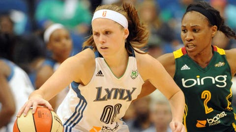 Lindsey Moore, G, 1 year