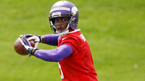 Latest workout pictures show Teddy Bridgewater without a knee brace
