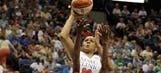 Moore leads unbeaten Lynx to win over Stars