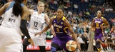 Moore's big night guides Lynx past Sparks