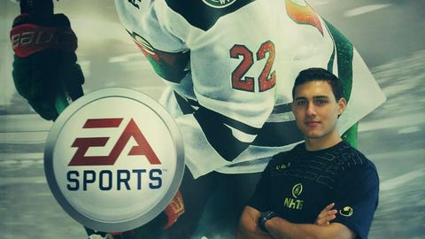 Nino Niederreiter, Wild right wing