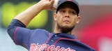 Twins start off doubleheader with decisive win over Tigers