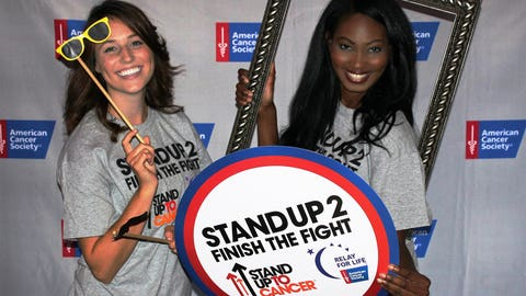 """The stars showed their support during the Stand Up To Cancer telecast. The FOX Sports Wisconsin Girls walked the """"purple carpet"""" & posed with props at the Milwaukee viewing party."""