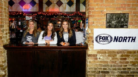 Mainstreet Bar & Grill in Hopkins served as host to the FOX Sports North Girls and Minnesota Timberwolves fans for an HD Viewing Party.