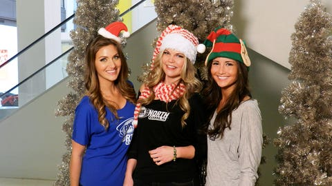 While at the Mall of America, the FOX Sports North Girls hit up various locations to record their holiday greetings video.