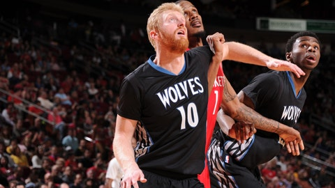 PHOTOS: Rockets 120, Wolves 110