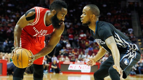 PHOTOS: Rockets 120, Wolves 110