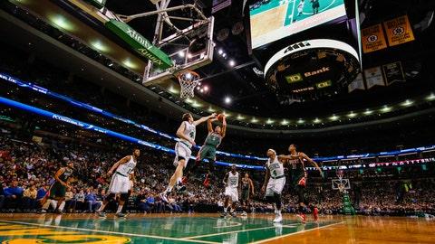 PHOTOS: Bucks 110, Celtics 101