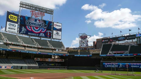 Twins to 'host' Indians in Puerto Rico next season